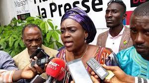 SLECG : Mme Kadiatou Bah invite  Aboubacar Soumah de se retourner à l'école syndicale…