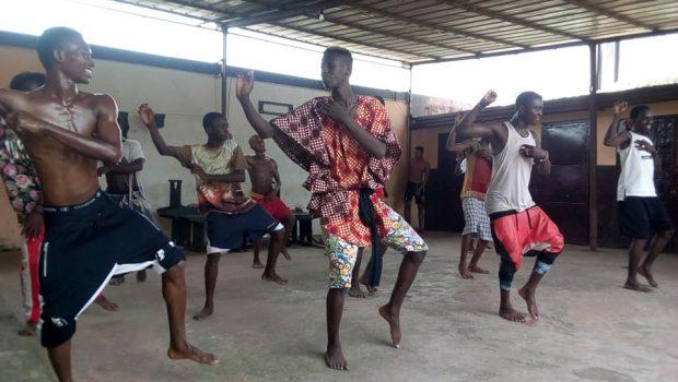 Kaloum: le groupe ''Shingom Bombé'' œuvre pour la valorisation de la danse traditionnelle…