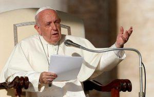 Covid-19 : des fêtes de Pâques solitaires pour le pape François, privé de fidèles