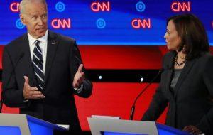 Joe Biden choisit la sénatrice Kamala Harris comme colistière
