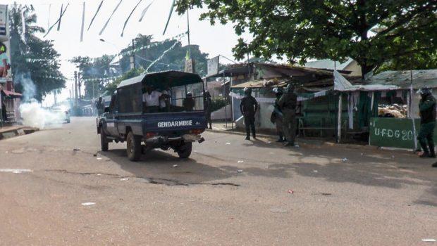 Présidentielle en Guinée: heurts à Conakry avant la fin du décompte officiel des voix
