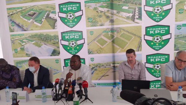 Groupe GUICOPRES: le Président du Groupe présente le Directeur Sportif de l'Académie KPC…