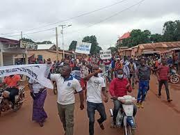Guinée: les manifestations contre l'interdiction des prières nocturnes se multiplient à travers le pays…