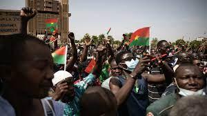 """Burkina Faso : des milliers de manifestants contre """"l'aggravation"""" de la situation sécuritaire"""