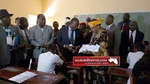 Baccalauréat unique session 2020-2021: le PM Kassory Fofana lance les premières épreuves au Lycée Lambayi 2…