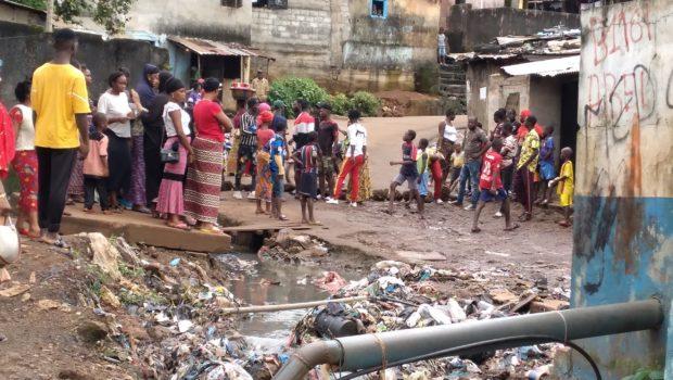 Mamadouba Tos Camara: la population de Donady Rails réclame l'installation de son nouveau Chef de quartier…