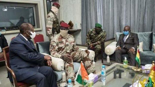 """Nana Akufo Ado: """"On a eu des entretiens francs et fraternels avec le colonel Mamady…"""""""
